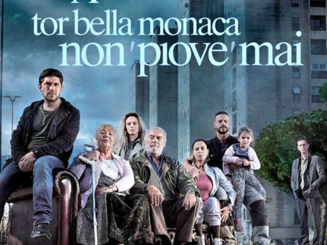 """Marco Bocci presenta e firma le copie del libro """"A Tor Bella Monaca non piove mai"""""""