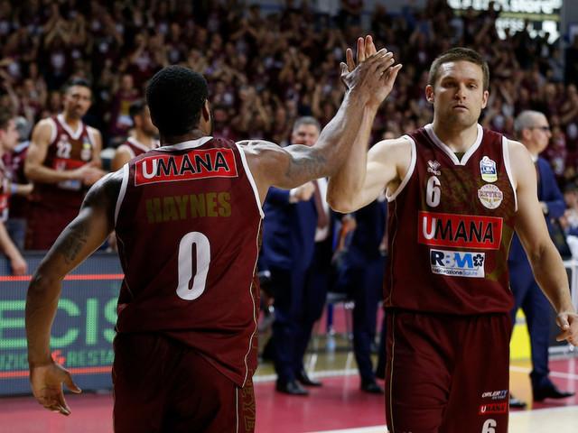 LIVE Trento-Venezia 61-51 basket, Gara-4 Play-off 2019 in DIRETTA: i dolomitici allungano la serie a gara-5