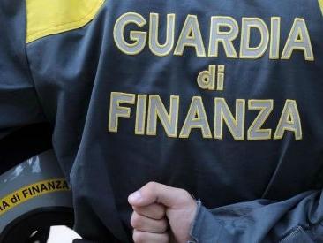 Napoli, inchiesta rifiuti – la Sma nel mirino della Finanza per 200mila euro di spese ingiustificate