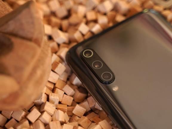 Qualcomm, entro fine anno smartphone con fotocamere da 100 Megapixel