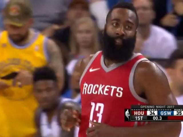 NBA, 27 punti per James Harden contro Golden State