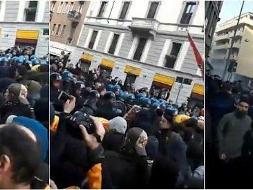 Milano, centri sociali tentano di raggiungere comizio di Casapound: cariche della polizia