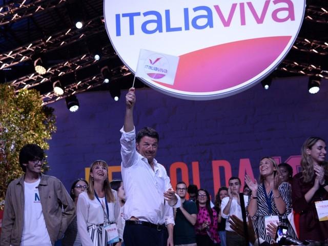 """Leopolda, Renzi presenta il logo di Italia Viva e attacca il Pd: """"sono il partito delle tasse"""", cresce la tensione nel Governo [FOTO]"""