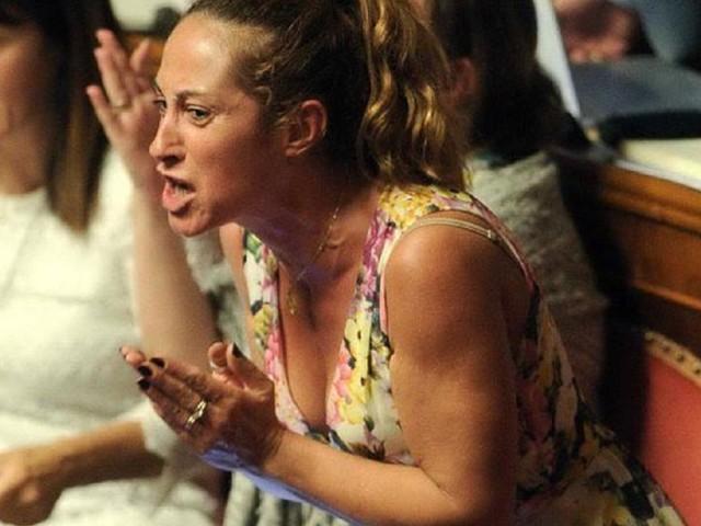 Caso Salvini, i ribelli M5S tirano dritto, la Taverna: 'Pletora di miserabili'