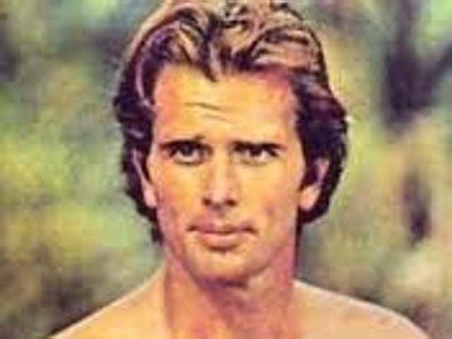California, la moglie dell'attore che interpretò Tarzan in tv uccisa a coltellate dal figlio