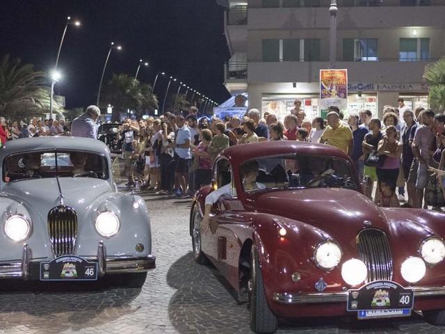 Circuito della Vittoria, stasera le auto d'epoca sfilano a Macerata per la rievocazione storica