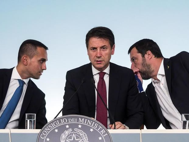 Governo, Conte rimuove Siri Salvini critica ma abbozza Di Maio esulta: vince l'onestà