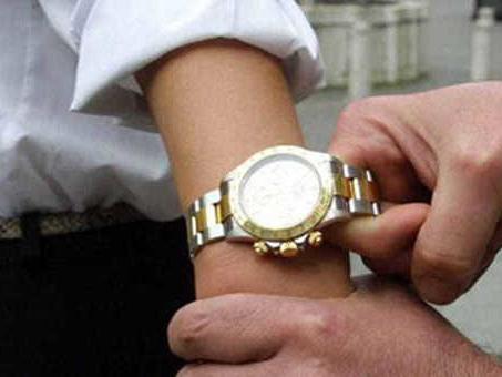 Rapinatori di orologi di lusso in azione. In due ore, due colpi