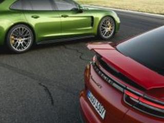 Nuova Porsche Panamera GTS: elogio al V8 in chiave sportiva