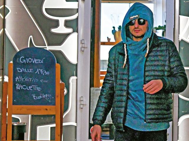 Luigi Favoloso gate, l'ex gieffino paparazzato in Svizzera. E intanto Veronica Satti… (Foto)