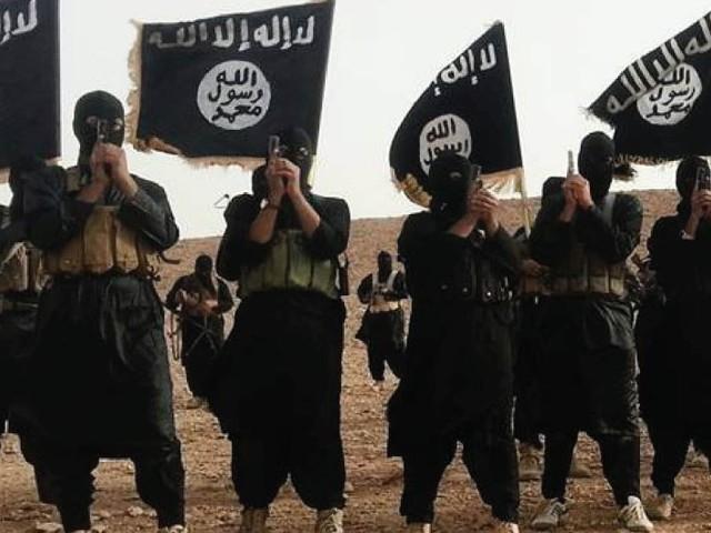 """Terrorismo, allarme degli 007: """"Pompe di benzina a rischio"""""""