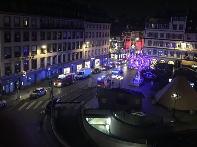 Francia: caccia al killer del Mercatino di Natale di Strasburgo, 3 morti e 13 feriti