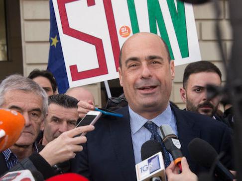 """Zingaretti: """"Lega e M5s fanno pace in nome delle poltrone? Noi pronti al voto senza paura"""""""