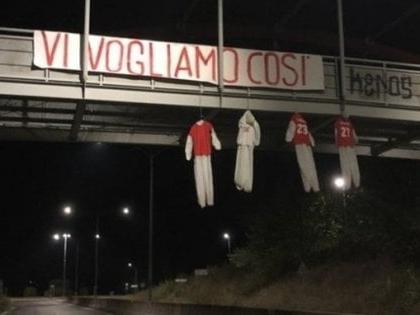Manichini impiccati per le strade: a Perugia adesso scoppia il caos