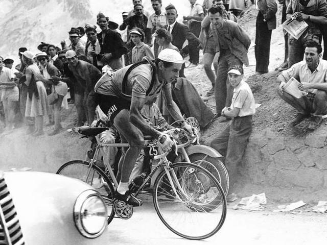Coppi 100, su Rai 2 lo speciale per i 100 anni di Fausto Coppi