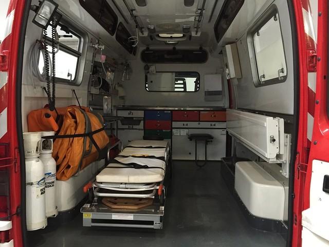 Rimini, bloccata nel traffico, partorisce in ambulanza