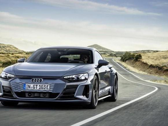 Audi e-tron Gt, le super-sportive elettriche ai Raggi X