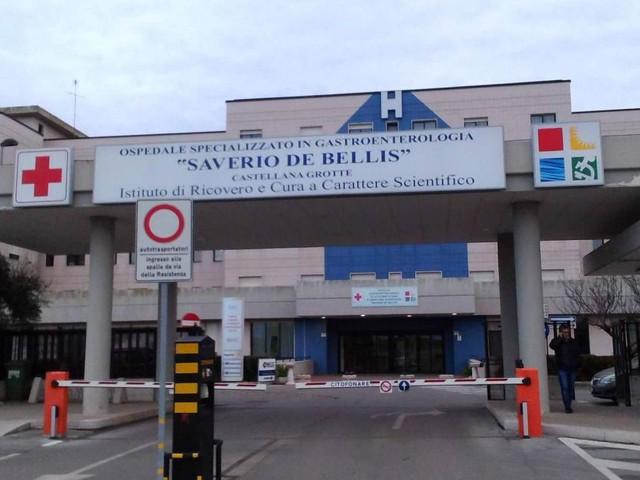 Castellana Grotte, tenta di avvelenare la moglie malata con diserbante: arrestato