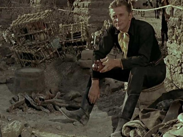 L'occhio caldo del cielo/ Su Rete 4 il film con Rock Hudson e Kirk Douglas