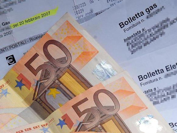 Bollette: dalla scheda sintetica all'estensione dell'indennizzo automatico, in arrivo offerte più trasparenti