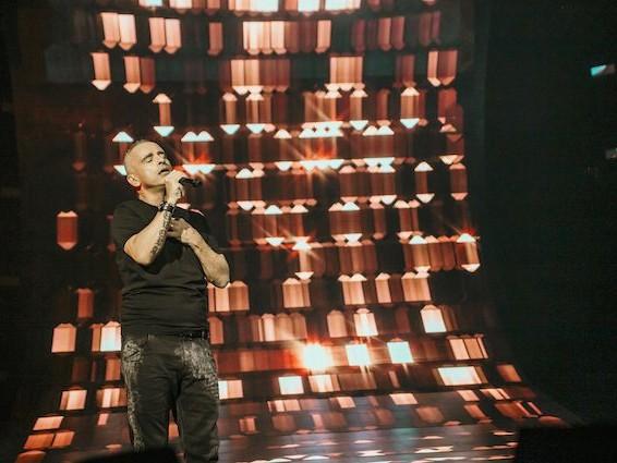 """Eros Ramazzotti dà il via al tour: """"Cantare in italiano all'estero dà l'idea di mondo senza muri"""""""