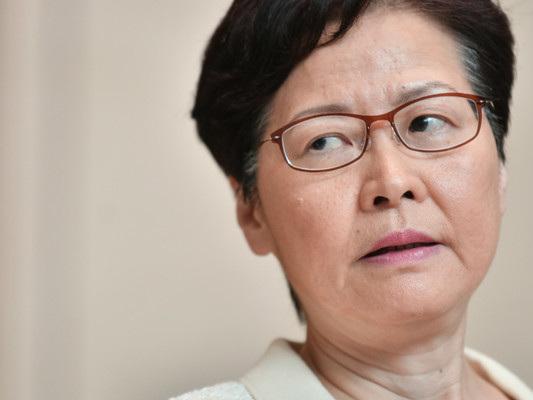 La leader di Hong Kong ritira la legge contro l'estradizione. Ma per gli attivisti non basta