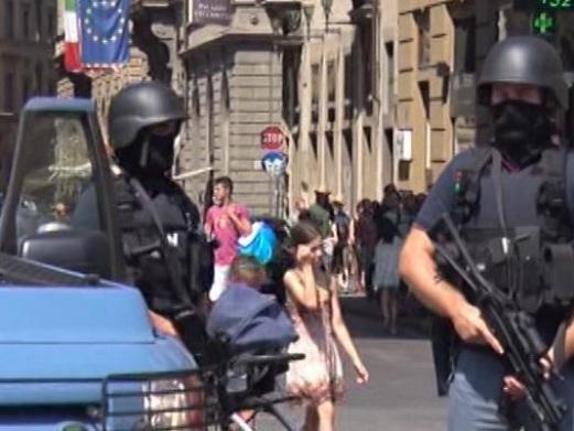 Terroristi italiani progettavano un attentato contro una moschea di Siena