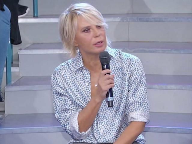 """Ex tronista fa un appello a Maria De Filippi: """"Voglio tornare a Uomini e Donne"""""""