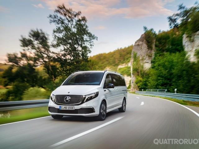 Mercedes-Benz EQV 300 - Anche la monovolume con la Stella è a emissioni zero