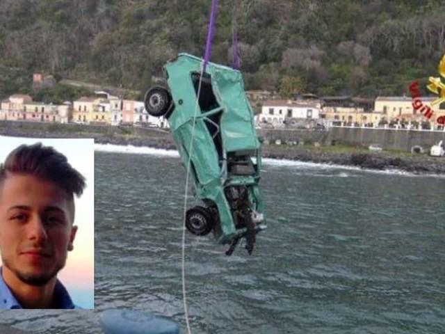 Catania, sospese ricerche del corpo dell'ultimo dei ragazzi travolti dall'onda