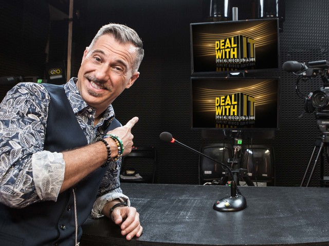 'Deal With It': i nuovi episodi con Gabriele Corsi dal 31 agosto sul Nove OSPITI