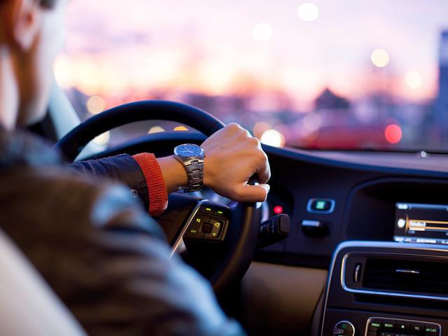 Fermato con l'auto monegasca in Italia: 500 euro di multa al frontaliere