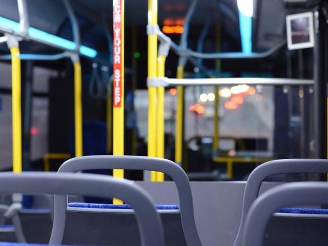 Napoli, partoriente sale sul bus, ma viene multata
