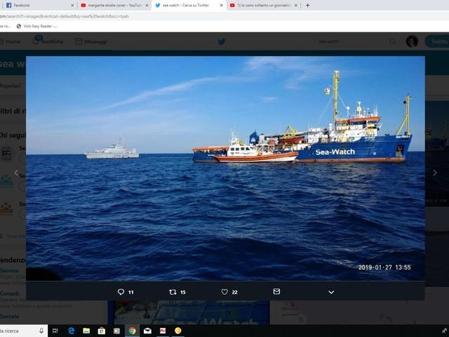 Salpa la flotta anti Salvini dei talebani dell'accoglienza