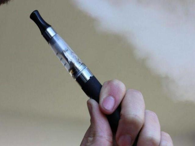 Sigaretta Elettronica, trovata possibile causa delle malattie: la vitamina E acetato