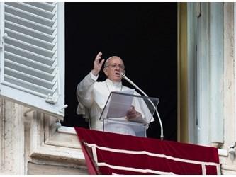 Papa: favorire pace in Medio Oriente e stabilità in Libano
