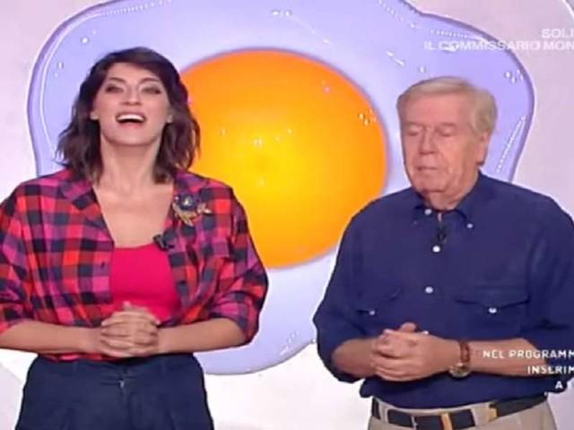 "Claudio Lippi, gaffe con Elisa Isoardi/ Video, ""Spero non rimani incinta"": lei basita"