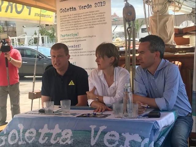 """Stop alle fonti fossili, da Legambiente il dossier """"No Oil Puglia"""""""