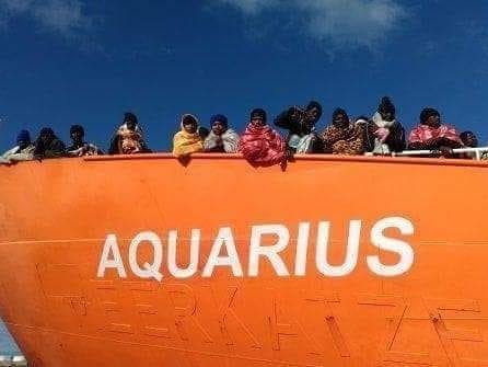 L'Aquarius è tornata in mare: soccorsi 11 migranti