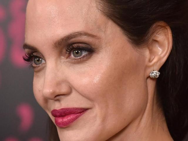 Bradley Cooper e Angelina Jolie potrebbe avere una relazione
