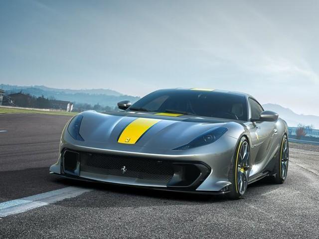 Ferrari 812 Competizione: coupé e spider sono da primato