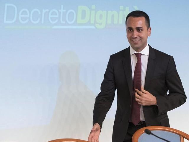 """Assunzioni, imprese contro il decreto dignità: """"Una su tre non rinnoverà i contratti a tempo"""""""