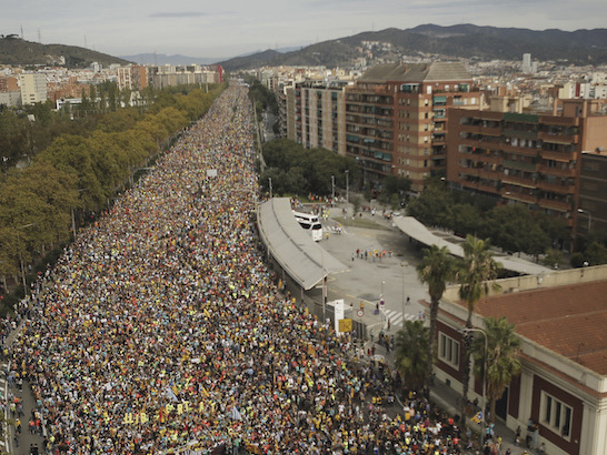 La grande manifestazione indipendentista a Barcellona