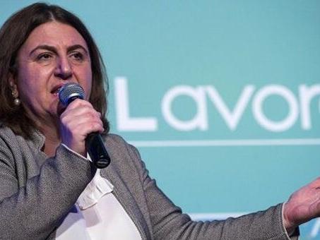 Manovra, Catalfo: stop 3 anni contributi a chi assume disoccupate