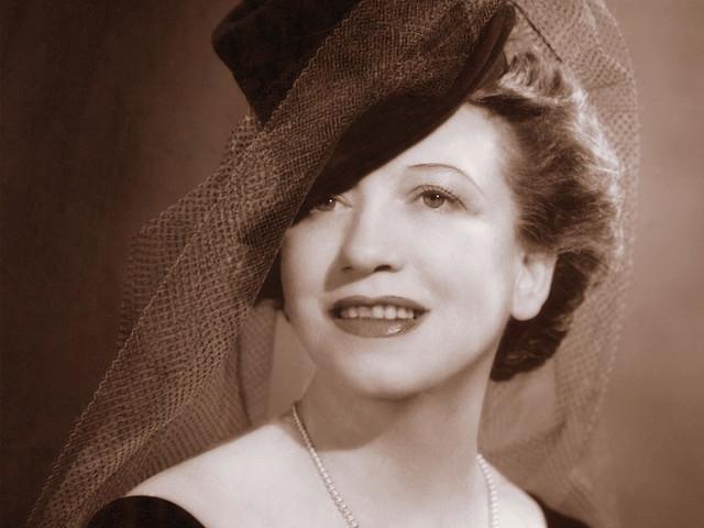 Biografia di Elizabeth Arden