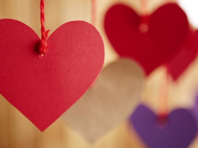 Auguri di San Valentino: pensieri ironici e originali nel giorno degli innamorati