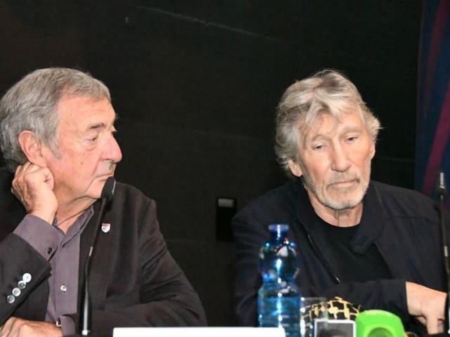 Pink Floyd, prende il via la mostra 'definitiva' 'Their Mortal Remains'. Roger Waters: 'Non mi importa quello che lasceremo, mi importa la gente là fuori'