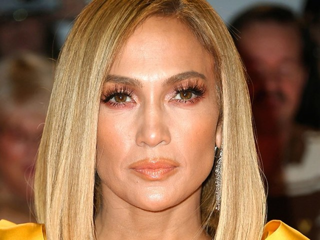 Colore capelli autunno 2019: i biondi di tendenza, dal golden blonde di Jennifer Lopez al marshmallow di Margot Robbie