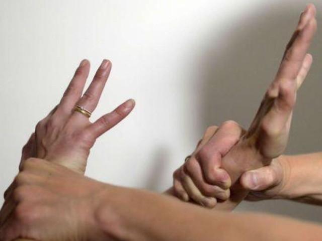 """Treviso, operaio violenta due 13enni: """"Sequestrate e abusate in un garage"""""""