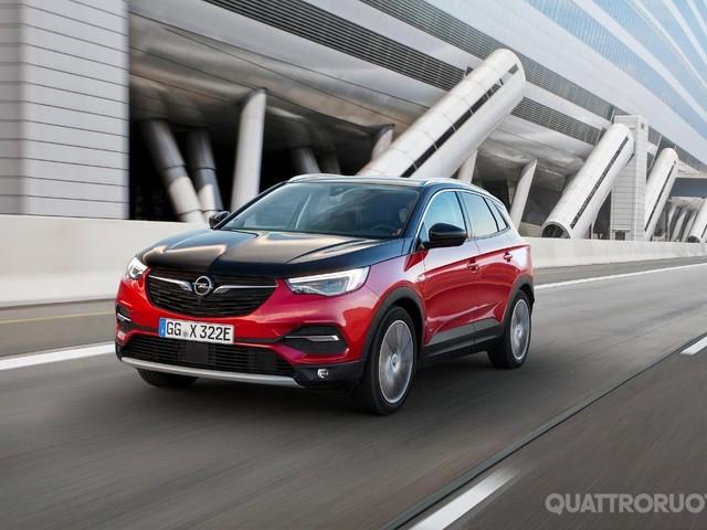 Opel - Debutta in Italia con il noleggio la Grandland X Hybrid4 AWD
